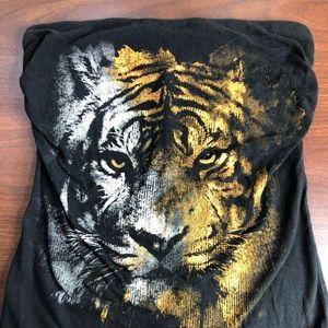 Lion sleeveless top
